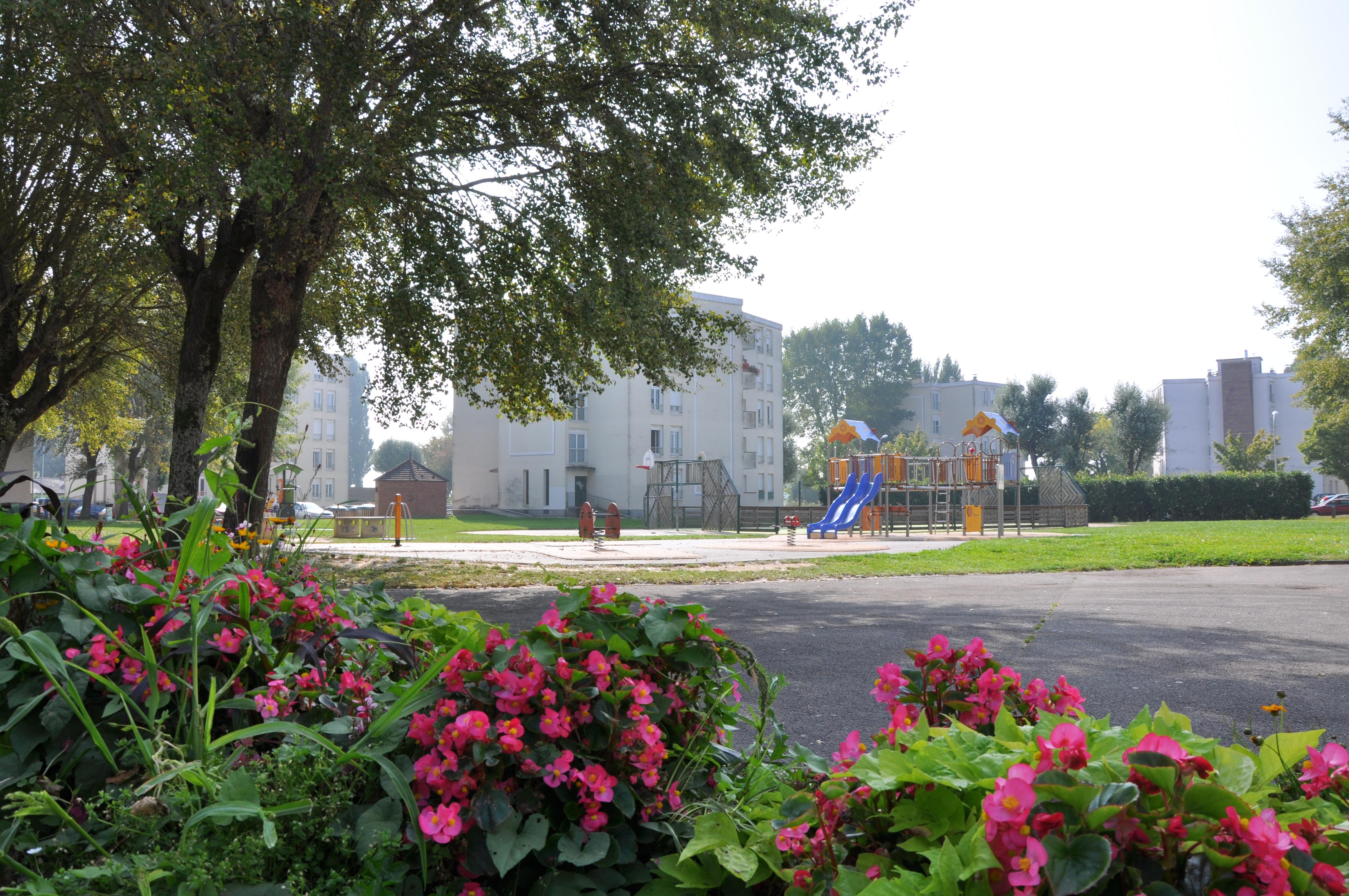 Chiffres et informations g n rales sur la ville de nangis for Piscine de nangis